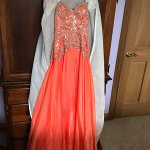Used prom dress / worn once